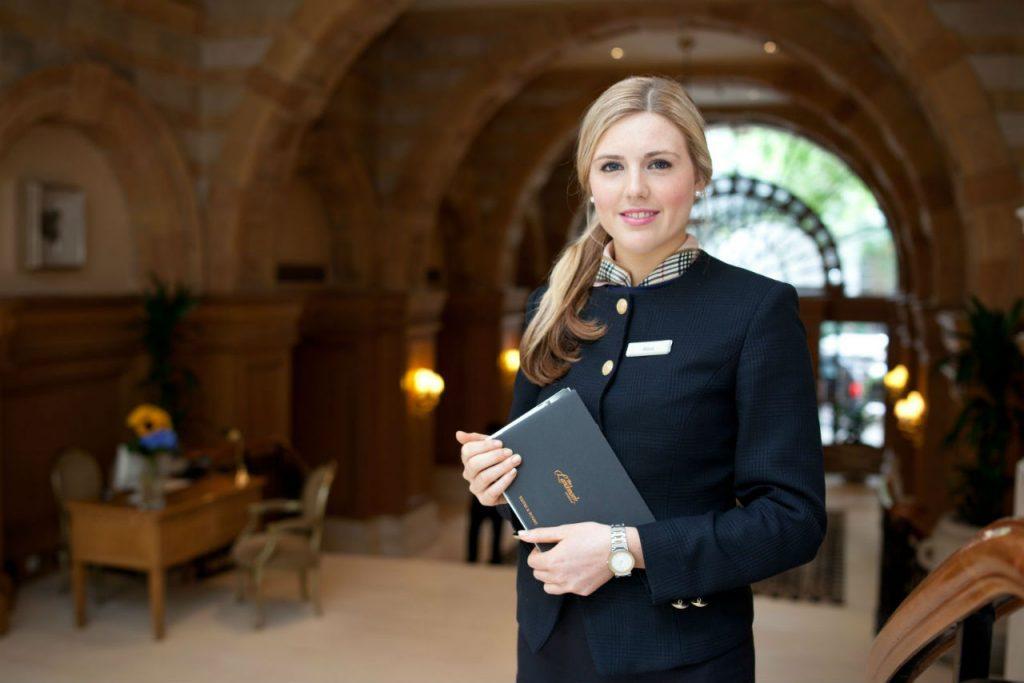 Ngành Quản trị nhà hàng khách sạn là ngành học được đánh giá cao, phù hợp với xu thế phát triển của xã hội hiện nay